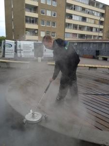 Tvättar på MKB för en lokal måleri firma