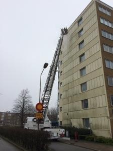 Fasadtvätt och Grön-Fri behandling på höga höjder